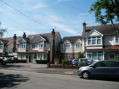 Property image of home to let in Holmwood Gardens, Wallington
